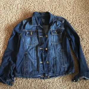 Gap outlet denim jacket size large